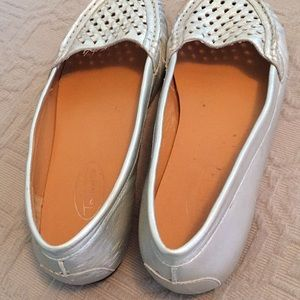 Talbots Silver Perforated Leather Flats 7W